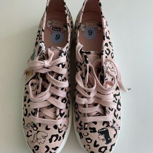 Keds Betty and Veronica New Sneakers Sz 9